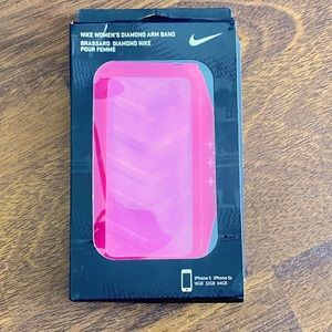 🎈 3/$15 Nike IPhone holder arm band